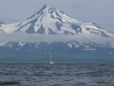 Frosty Volcano and the Minnow, Morzhovoi Bay