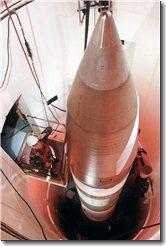 Minuteman_III_in_silo_1989.jpg